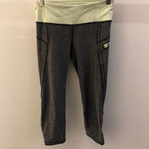 Lululemon black and green crop legging, sz 4